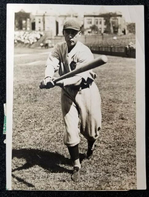 1926 Fine Edd Roush Underwood Type 1 Photo With Louisville Slugger Bat Vtg Reds