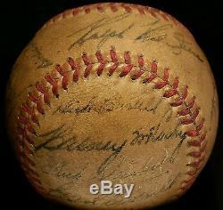 1940 Detroit Tigers AL CHAMPION Team Signed BASEBALL vtg HANK GREENBERG hof