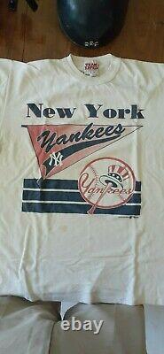 1960'S/1970s NEW YORK YANKEES VINTAGE GAME USED BATTING HELMET