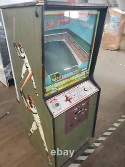 RARE 1974 Classic Arcade Video Game Machine Ball Park Baseball vtg old glove bat