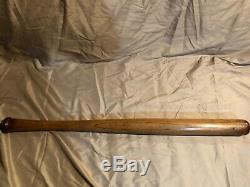 Vintage 1897-1900 J. F. HILLERICH & SONS 32.5 Louisville Slugger Baseball Bat