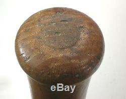 Vintage Hillerich & Bradsby Louisville Slugger TRIS SPEAKER DECAL BASEBALL BAT