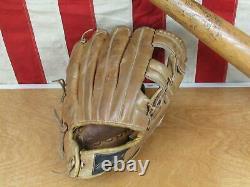 Vintage Louisville Slugger Baseball Bat with MacGregor Glove Roberto Clemente HOF