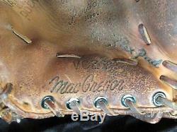 Vintage Pair Louisville Slugger Baseball Bats Roberto Clemente withMacGregor Glove