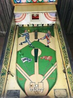 Vintage Williams Grand Slam Pitch & Bat Baseball arcade Pinball game, Machine